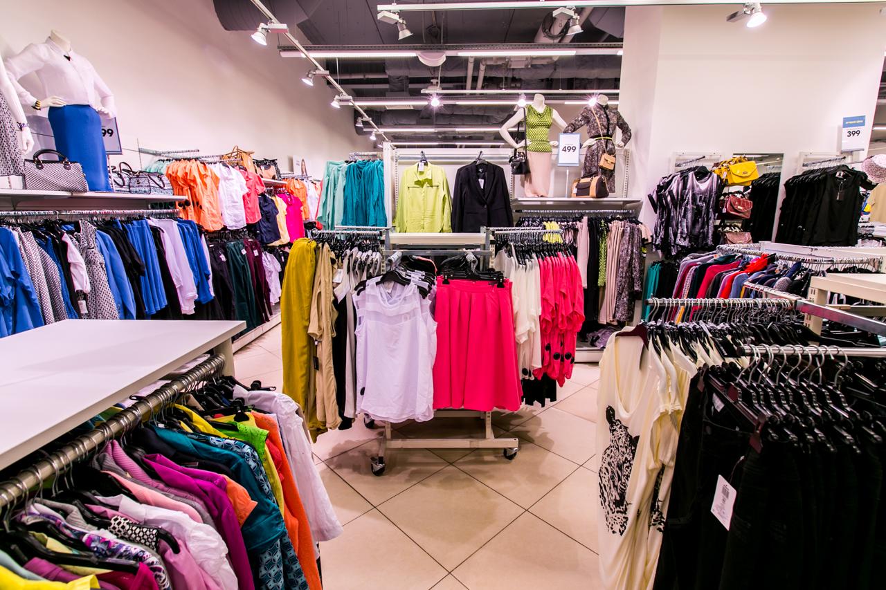 97a7db0a3b49 К тому же монобрендовый магазин обычно открывается при помощи франчайзинга,  а это дополнительные преимущества для владельца.